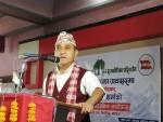 बिर्तामोडको कार्यक्रमा बोल्दै काँग्रेस प्रवक्ता शर्मा ।